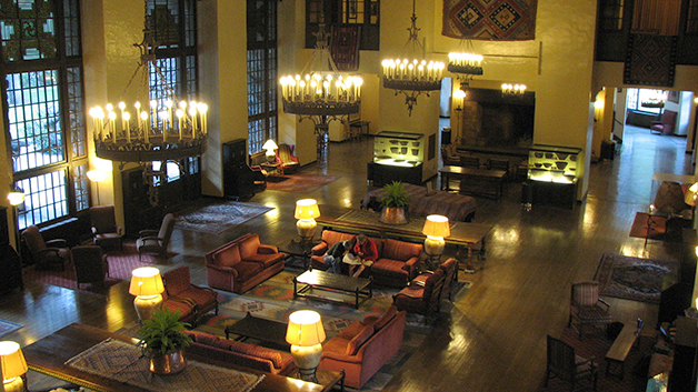 Ahwahnee_Hotel_-_Great_Lounge