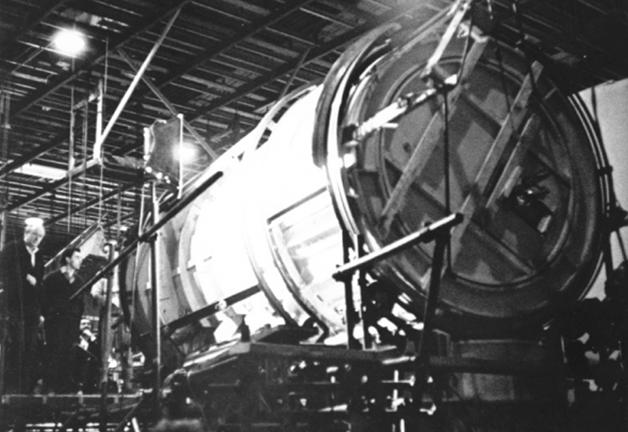 exterior-view-of-the-centrifuge-hub-set