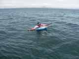 金田湾で水泳