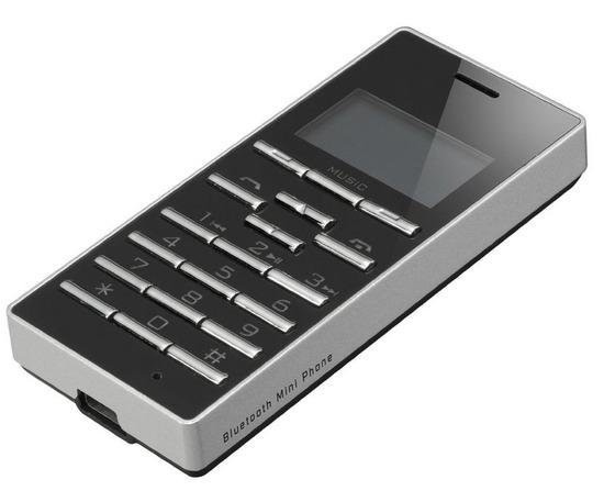 小さい携帯電話に見えるBluetoothイヤフォンマイク「Bluetoothミニフォン GH-BHMPA」