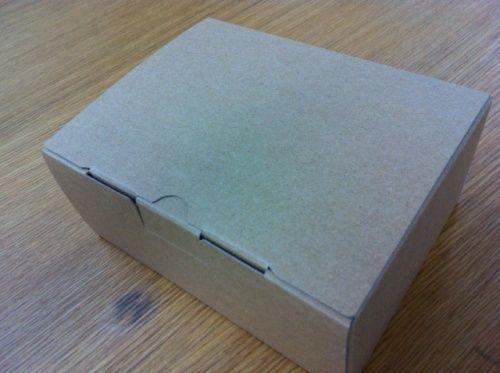 【エヴァスマホ】パッケージが反対?・謎の塗りつぶし?
