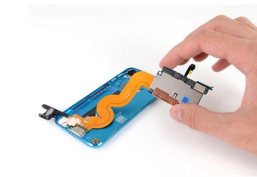 第5世代「iPod touch」が早くも分解 修理は困難