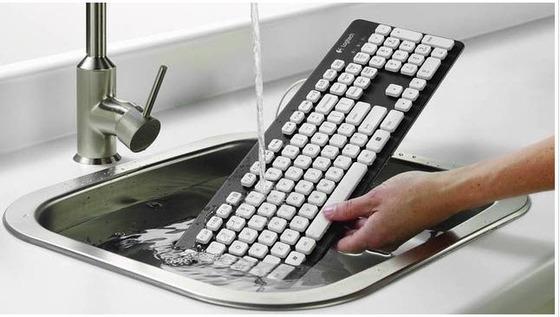 ロジテックより洗えるキーボードが登場!!