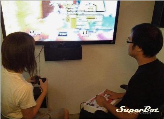 「プレイステーション オールスターズ バトルロイヤル」は 格闘ゲーム用のアーケードコントローラーをサポート。