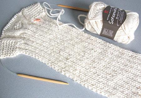 マフラー編み始め
