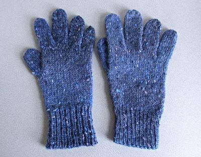 左:基本の5本指手袋5 右:基本の5本指手袋6