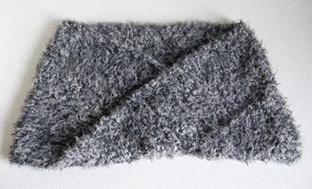 メビウス編みのネックウォーマー