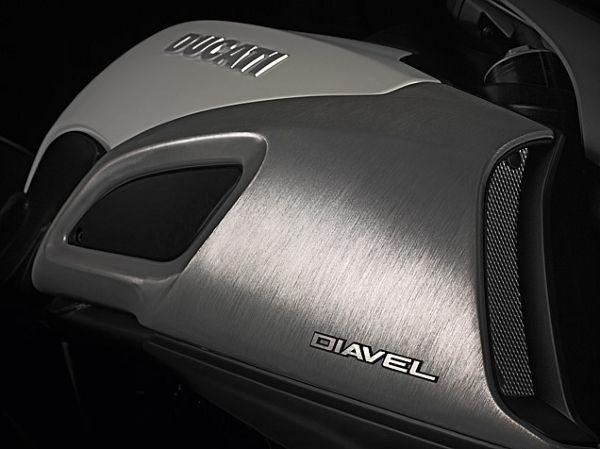 DIAVEL (22)