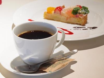 コーヒー&スイーツ。