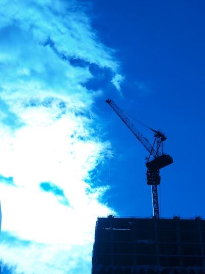 横浜建設中。