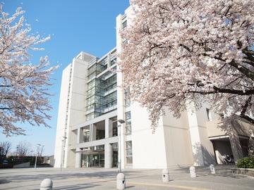 あきる野市役所。