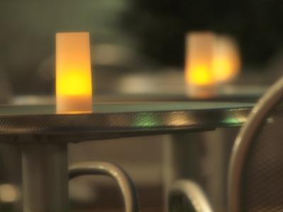 カフェの明かり。