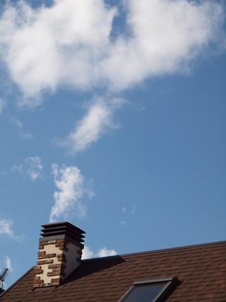 煙突からモクモク。