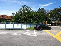青白塀の家