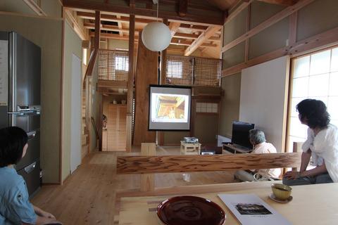 高橋昌巳さんが家づくりのプロセスを解説。