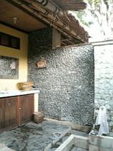 パムテランのお宿の野外シャワールーム