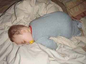 March5,2012 最近のお気に入り寝ポーズ