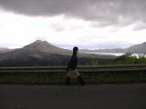 バトゥール湖周辺を歩く