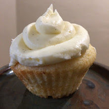 cream cheese frosting cupcake
