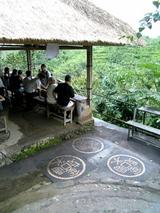 コーヒー農園で休憩