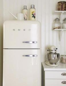 冷蔵庫smeg