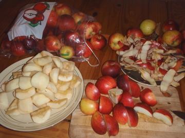 リンゴむきむき