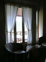 暗いけど、、、ホテルのベッドからとった写真