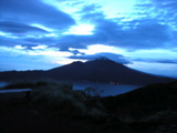 バトゥール山から夜明け1
