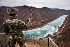 南北間の非武装地帯、北が韓国軍監視所へ銃弾発射…建物が被弾