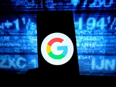 Google検索 →『あるキーワードを検索』→Googleが 警察に提供