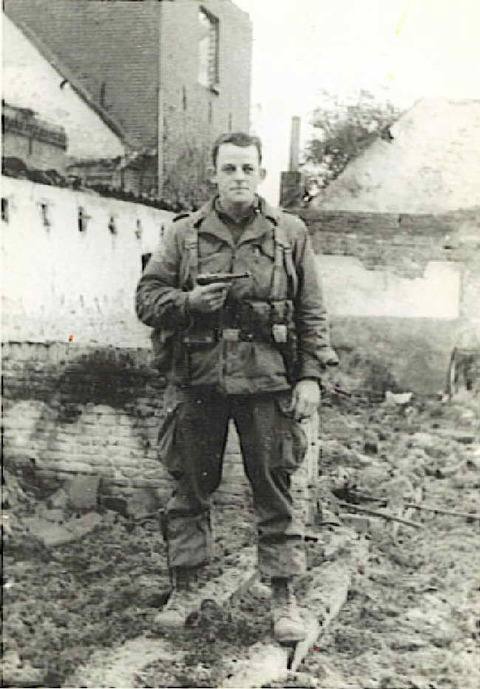 p08 1944