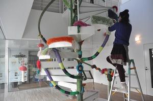 編み螺旋階段設営中