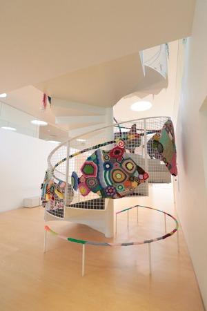横須賀美術館編み螺旋階段