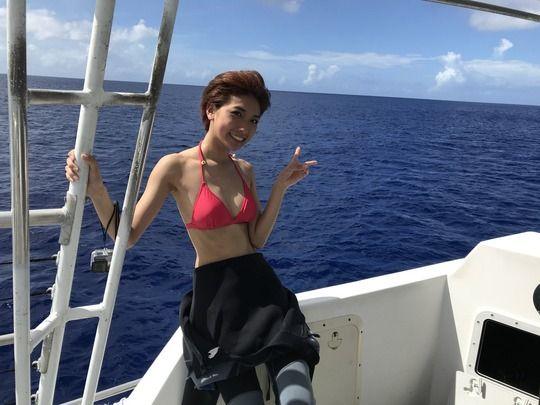 【画像】元AKB・森川彩香のプライベート水着ショット!!