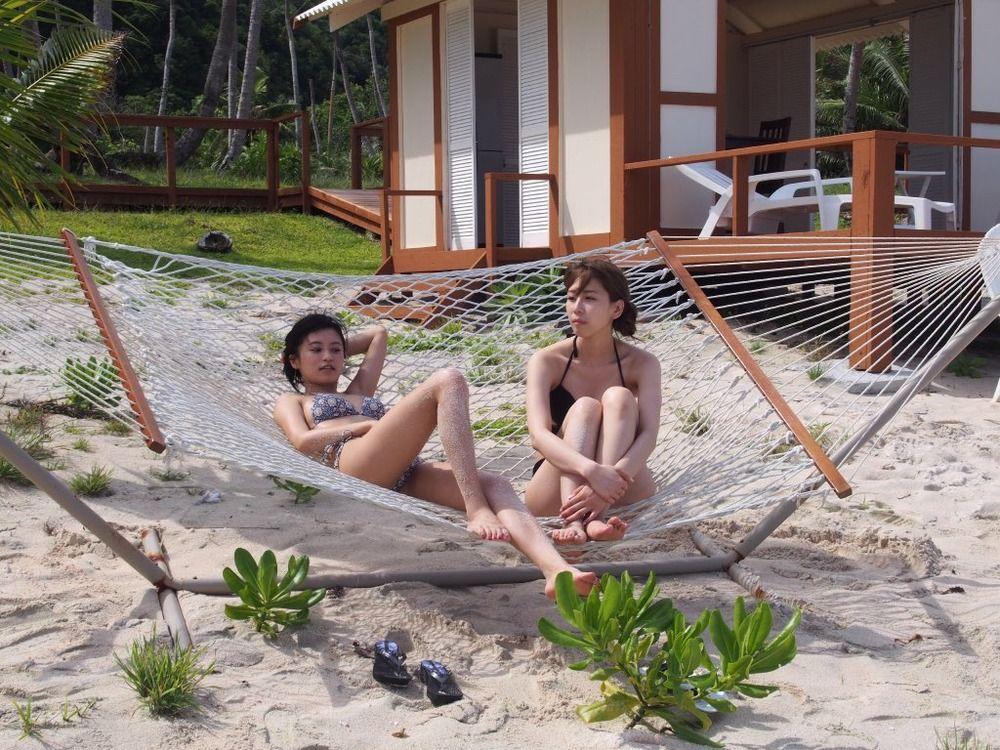 【画像】AKB48の大家志津香さんと小島瑠璃子さんの水着姿を投稿し話題に