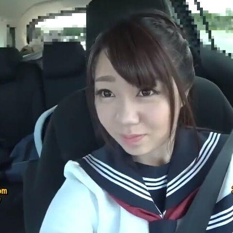 学校サボった女子校生とセーラー服のまま禁断ドライブ