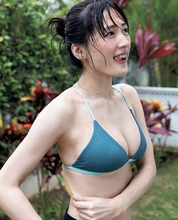 【画像】綾瀬はるかさん(35)の水着姿、もう限界