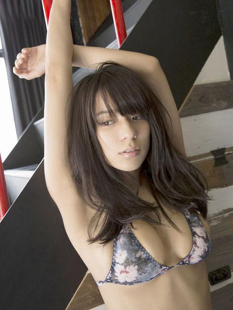 小瀬田麻由の細いのに凄い胸が大きい最高のカラダ 87枚