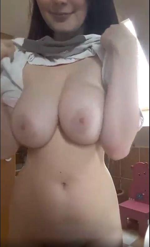 【動画】女さん「AVとか偽乳ばっかり!本物の巨乳がどういうものか見せたろか」