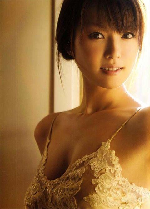 【画像】深田恭子、乳を○○に与え「あぁーん、幸せ過ぎィィイイイイイ」