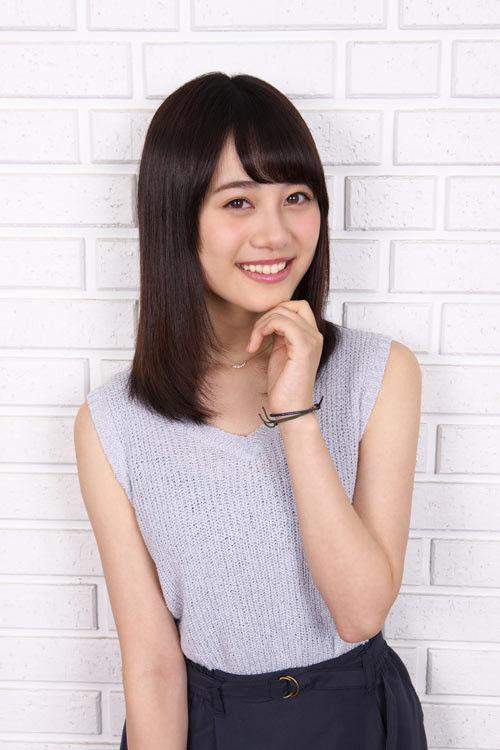 【画像】声優  伊藤美来ちゃんのノースリーブニット姿が可愛い!