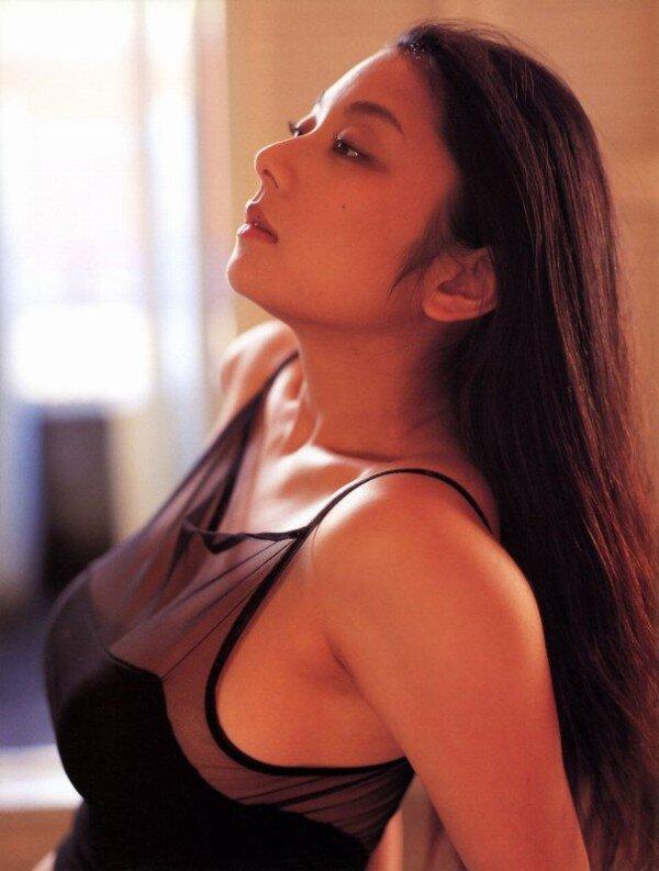 小池栄子(40)、グラビア復帰に色気 宮崎美子から刺激「経験もあるんだから、やってみたいなと」