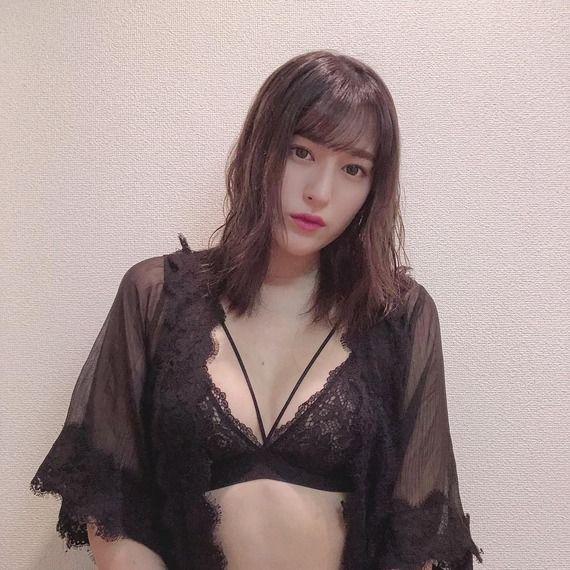 【画像】元AKB平田梨奈の下着姿がエッチ