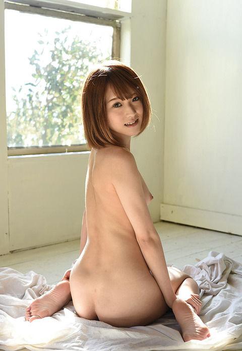 色っぽい女性の後ろ姿 背中のエロ画像 03