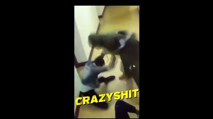 見境なく殴る蹴るする男!