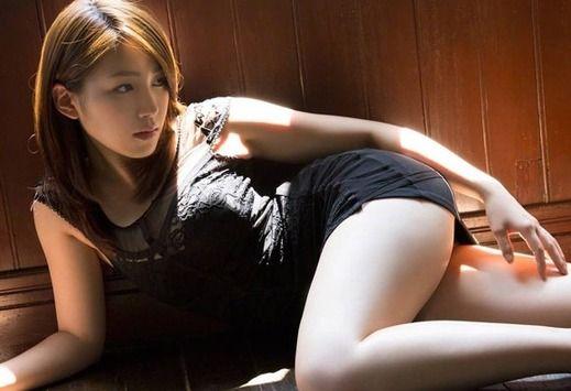 画像☆動画・「吉川友」のミニスカ服wおっぱいラインくっきりで抜けるwwwwww