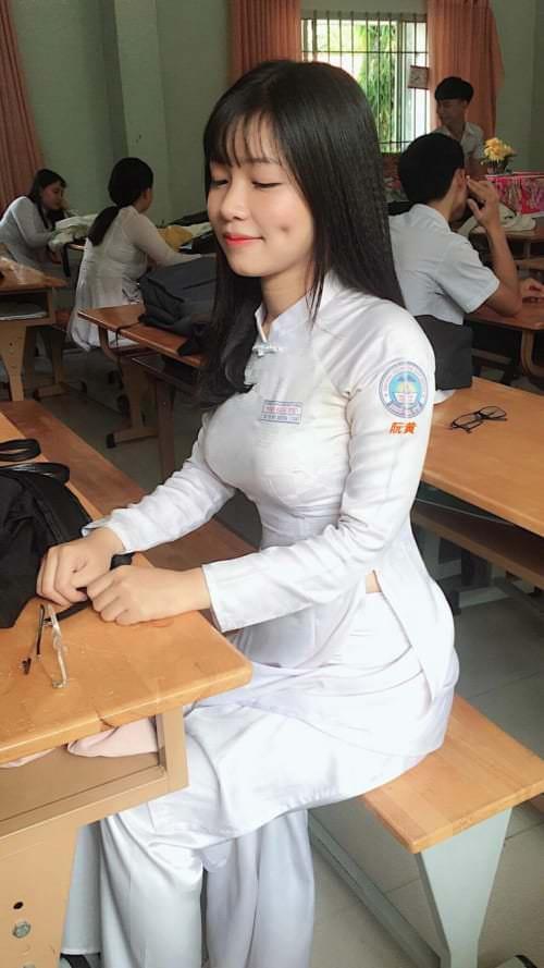 【画像】ベトナムの女子高生がエッチすぎると話題にwww