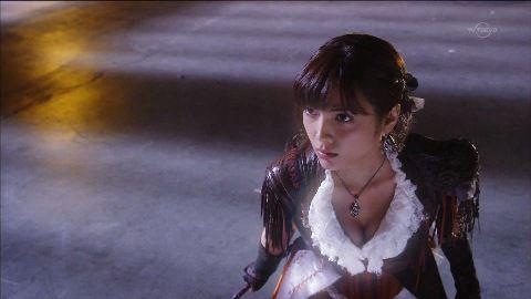 【画像】南里美希というモデルの胸チラはエロいよな