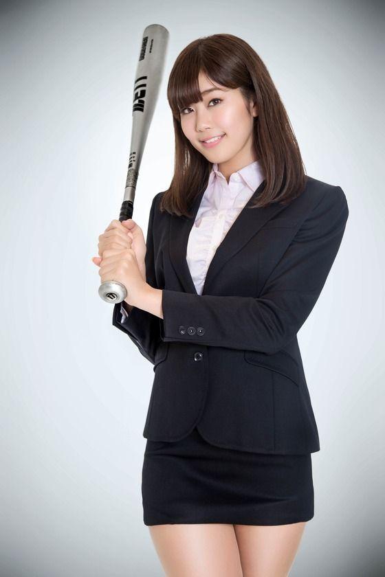 【画像】稲村亜美とかいう顔と身体はたまんねぇのにトークがクソつまんないグラドル