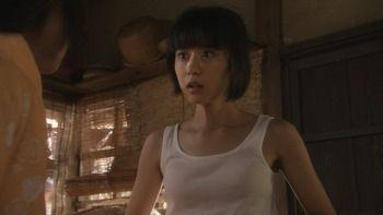 黒島結菜って乳首透けそうな服着たりブラ紐みたいなの見せたりエロくなったよな